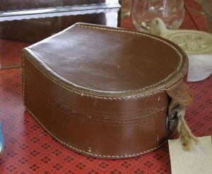 Vintage horseshoe collar box