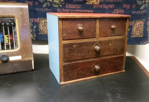 Small drawer unit