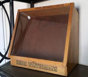 Henri Wintermans display case