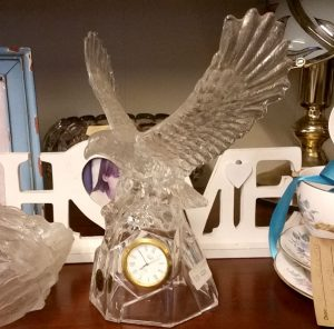 Royal Crystal Rock eagle clock
